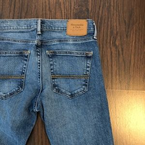Abercrombie & Fitch Jeans - Abercrombie and Fitch jeans ankle skinny  28X 30